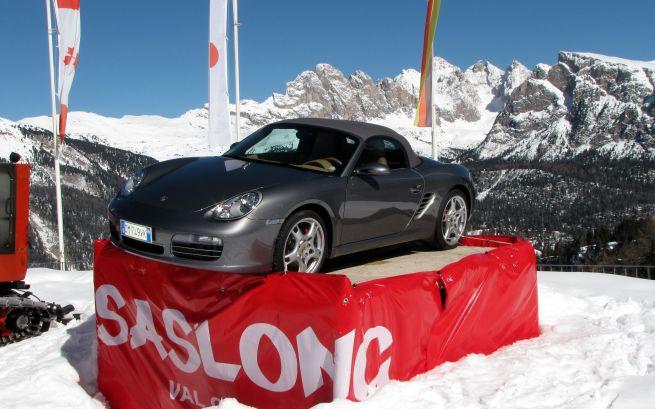 Kiedyś stało tu czerwone Porsche...