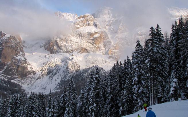 Gruppo del Sella, widziana z Passo Lupo Bianco